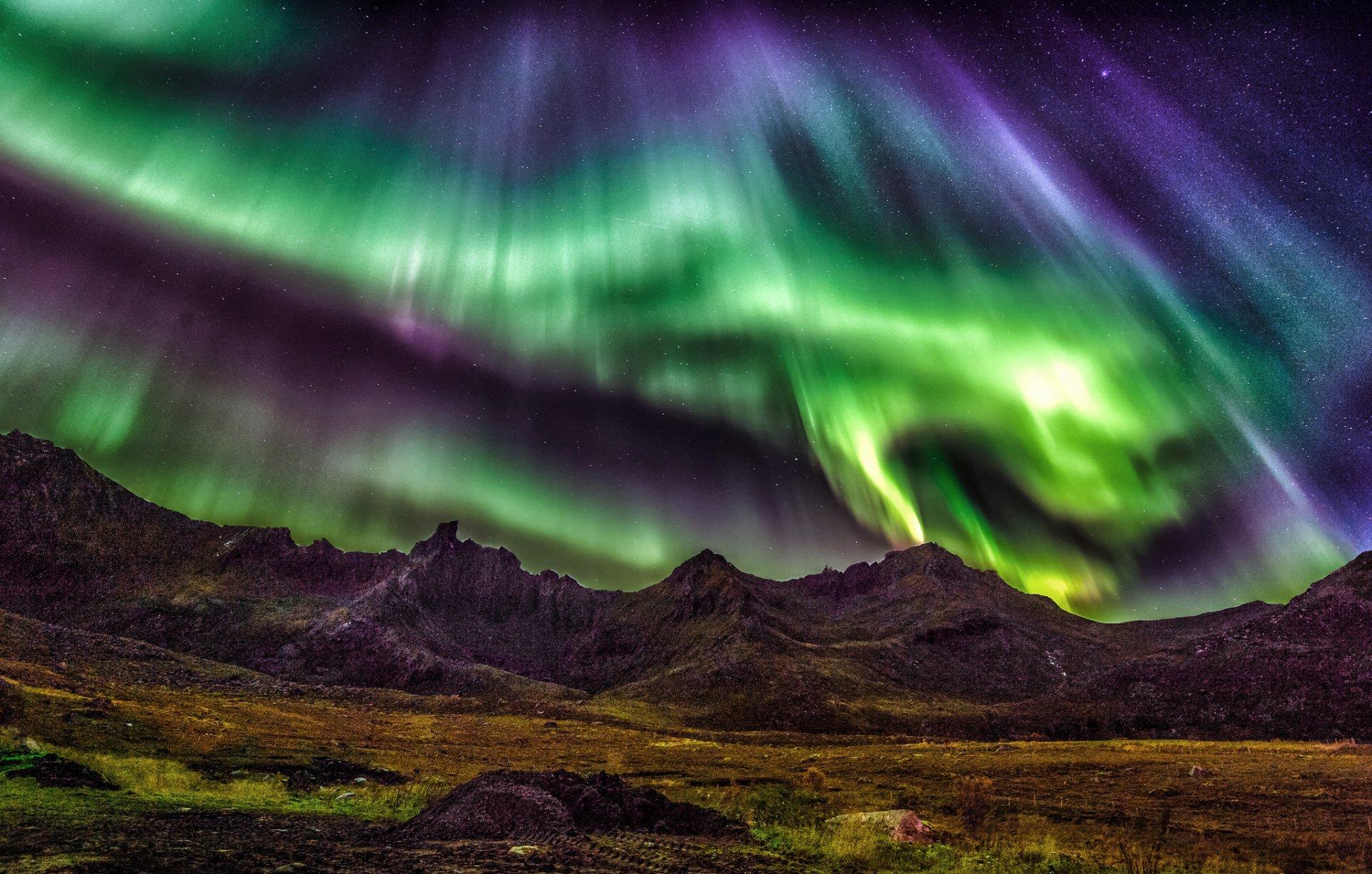 Aurora boreale hd wallpaper sfondi 2048x1305 id for Sfondi desktop aurora boreale