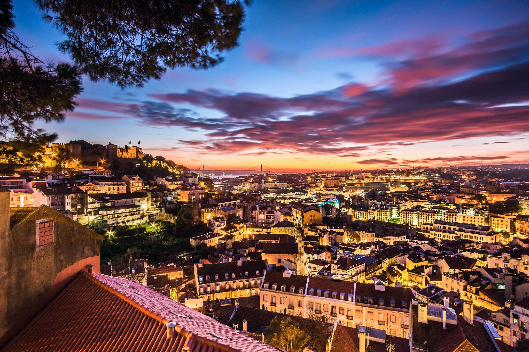 Lisbon full hd fond d 39 cran and arri re plan 2048x1365 for Fond ecran portugal