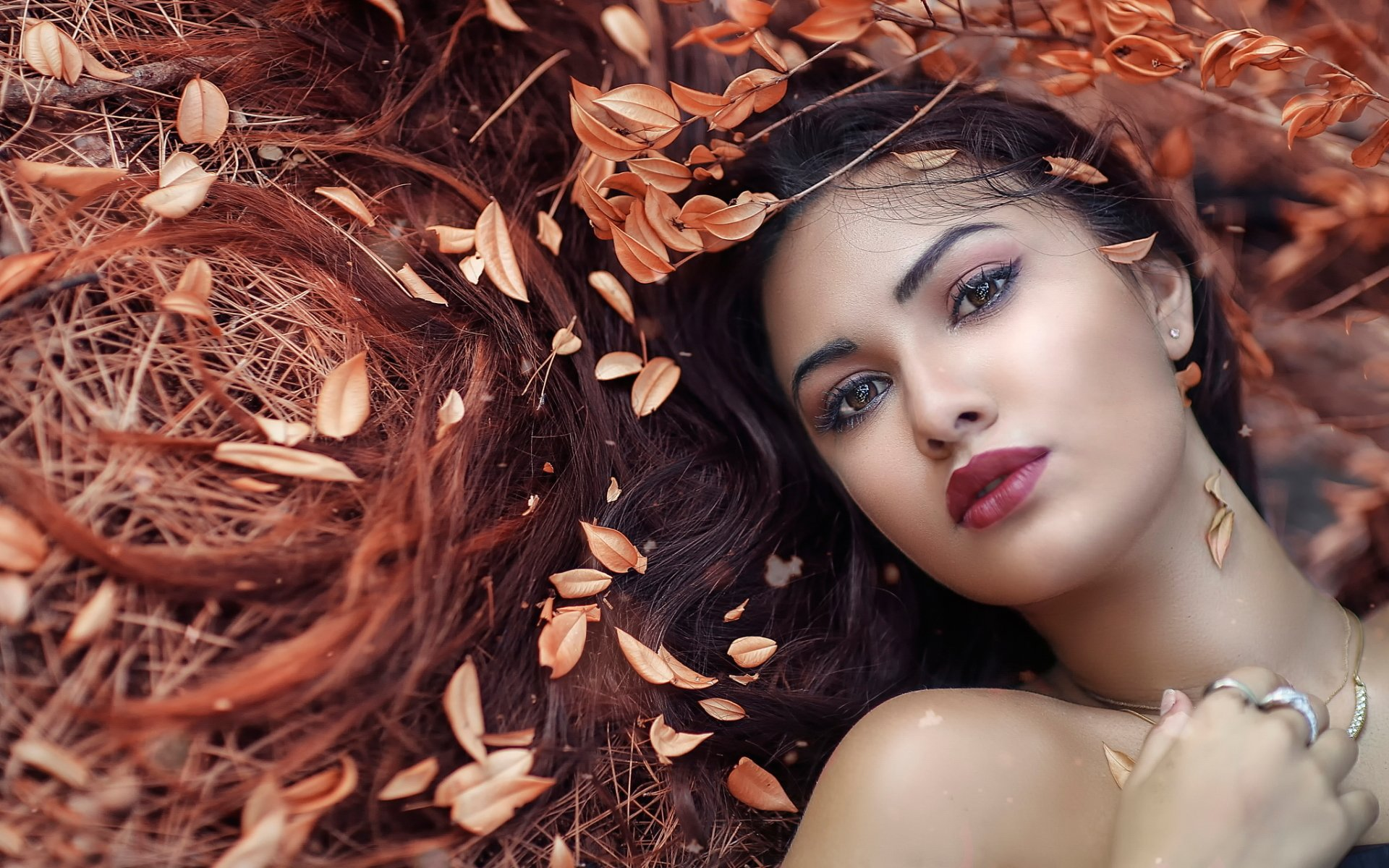 Women - Face  Brown Eyes Lipstick Brunette Model Woman Girl Fall Leaf Lying Down Wallpaper