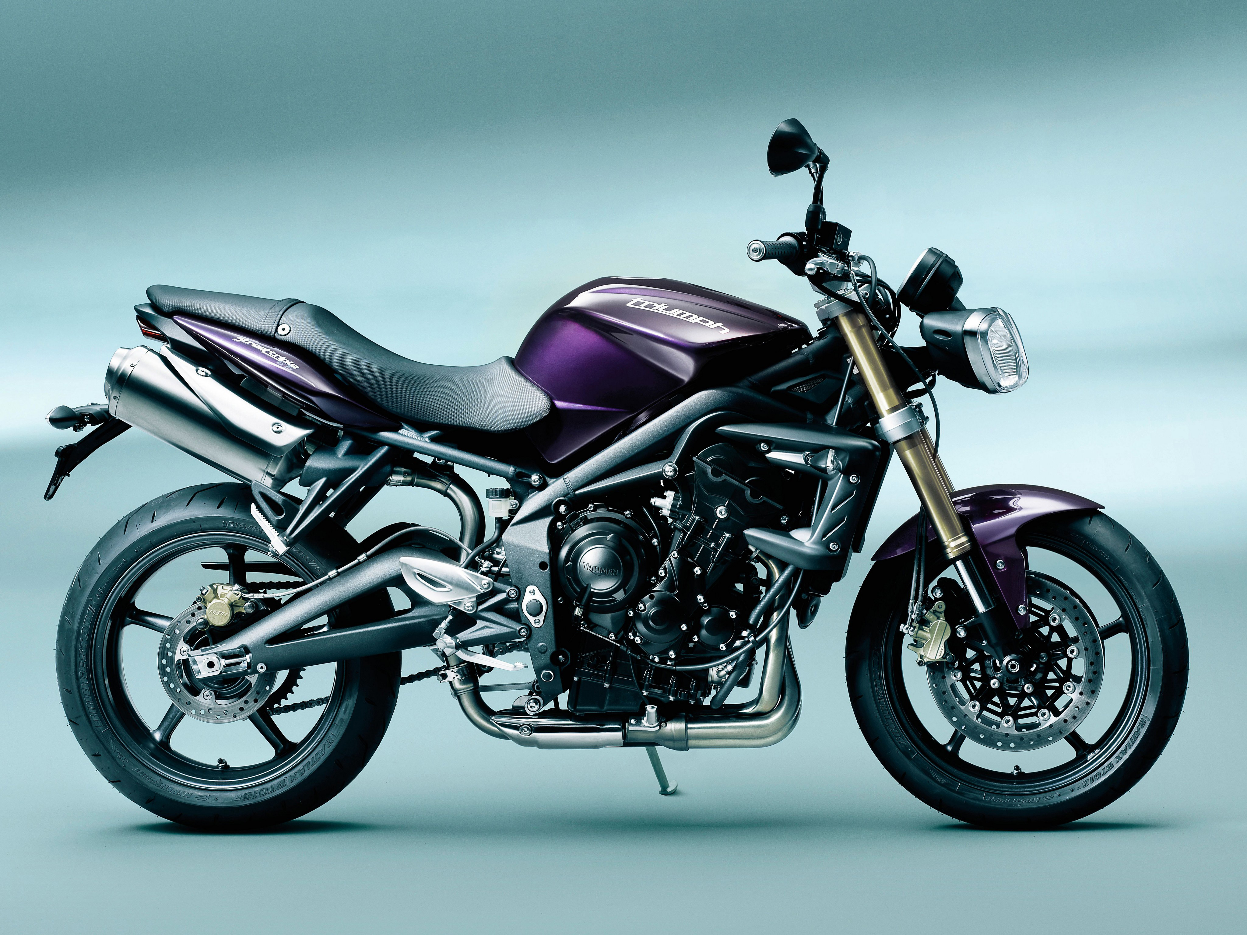 Triumph Street Triple 675 4k Ultra Hd Wallpaper Background Image