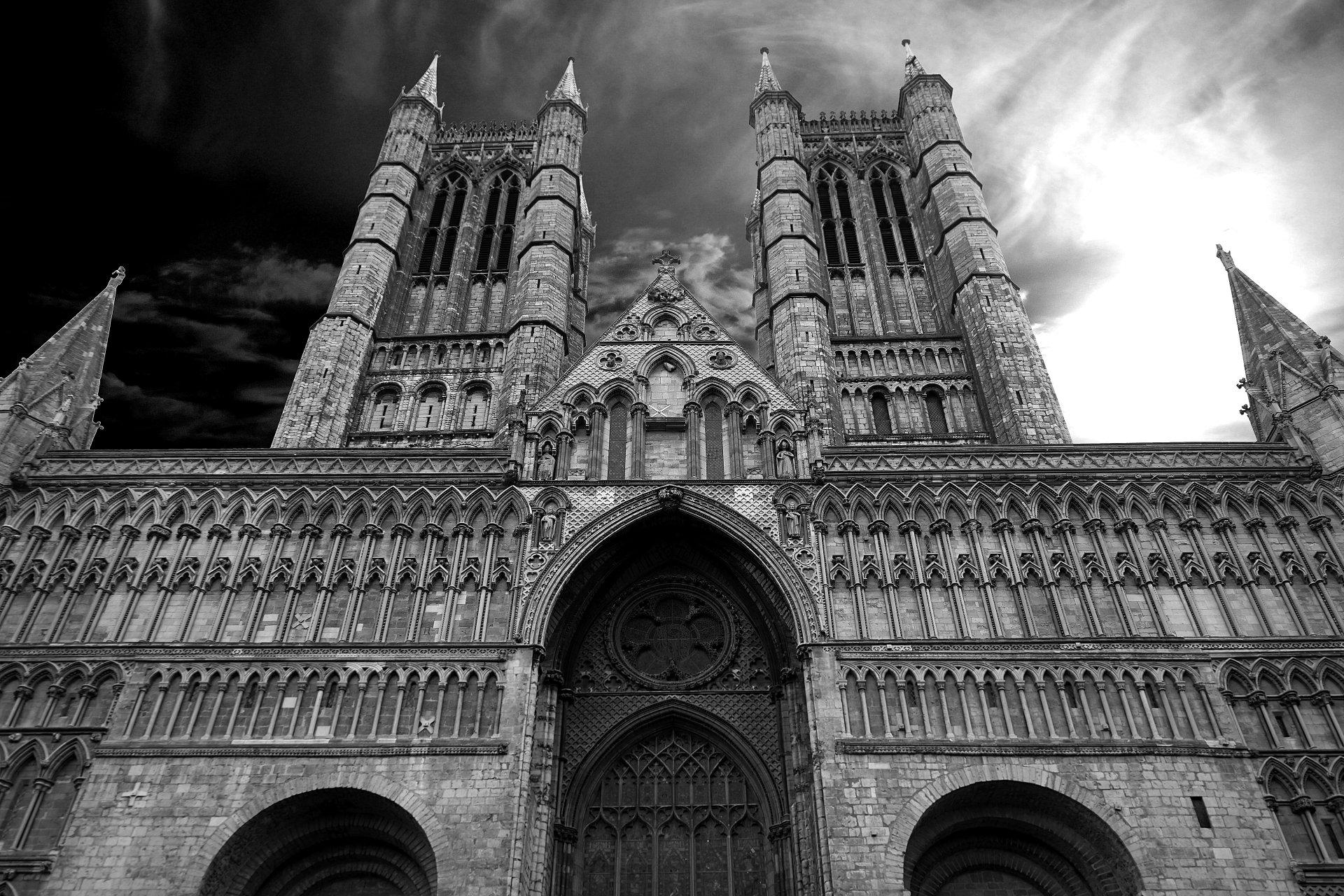 Religious - Cathedral  England Black & White Architecture Religious Wallpaper