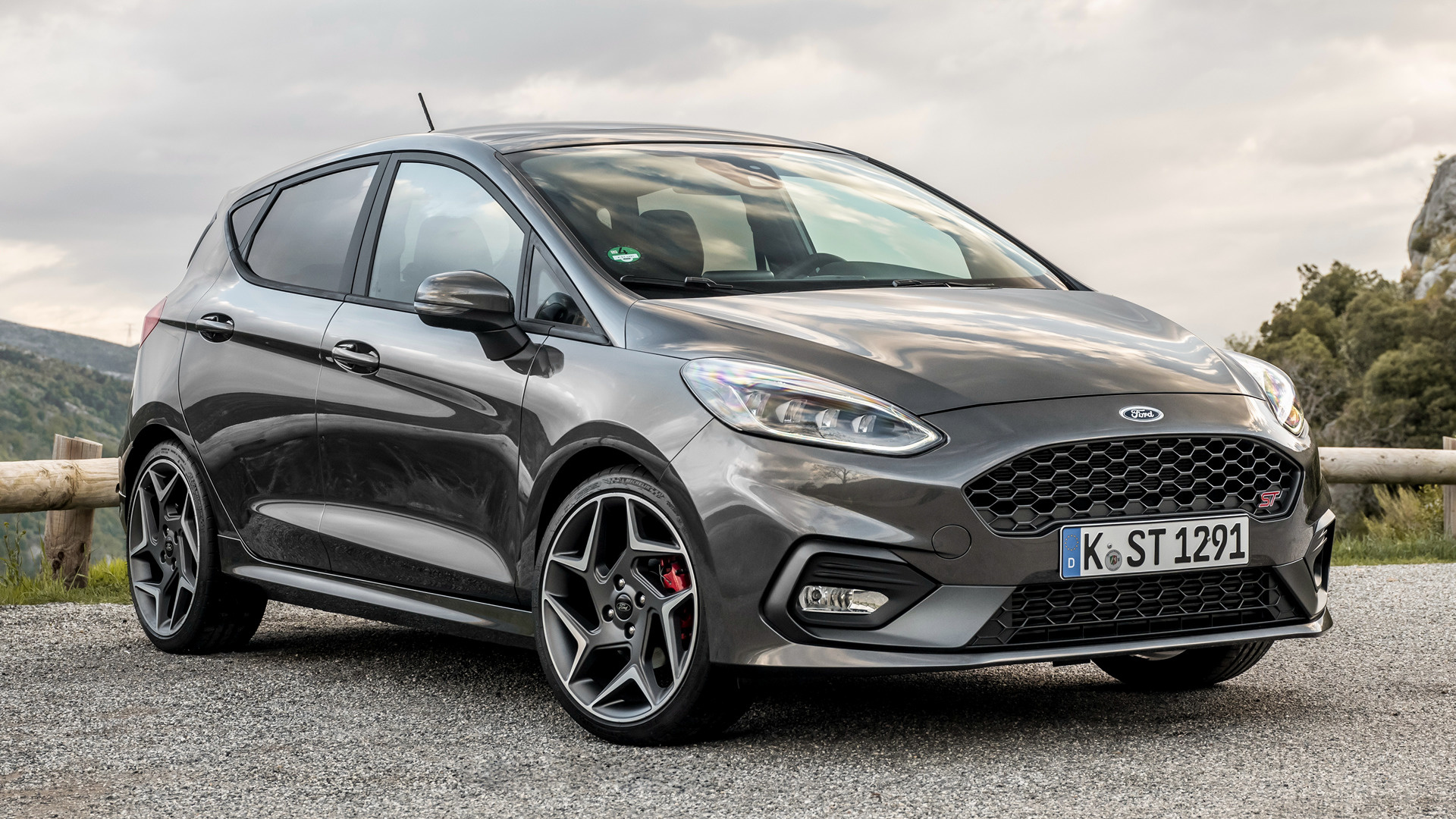 2018 Ford Fiesta St 5 Door Hd Wallpaper Background Image