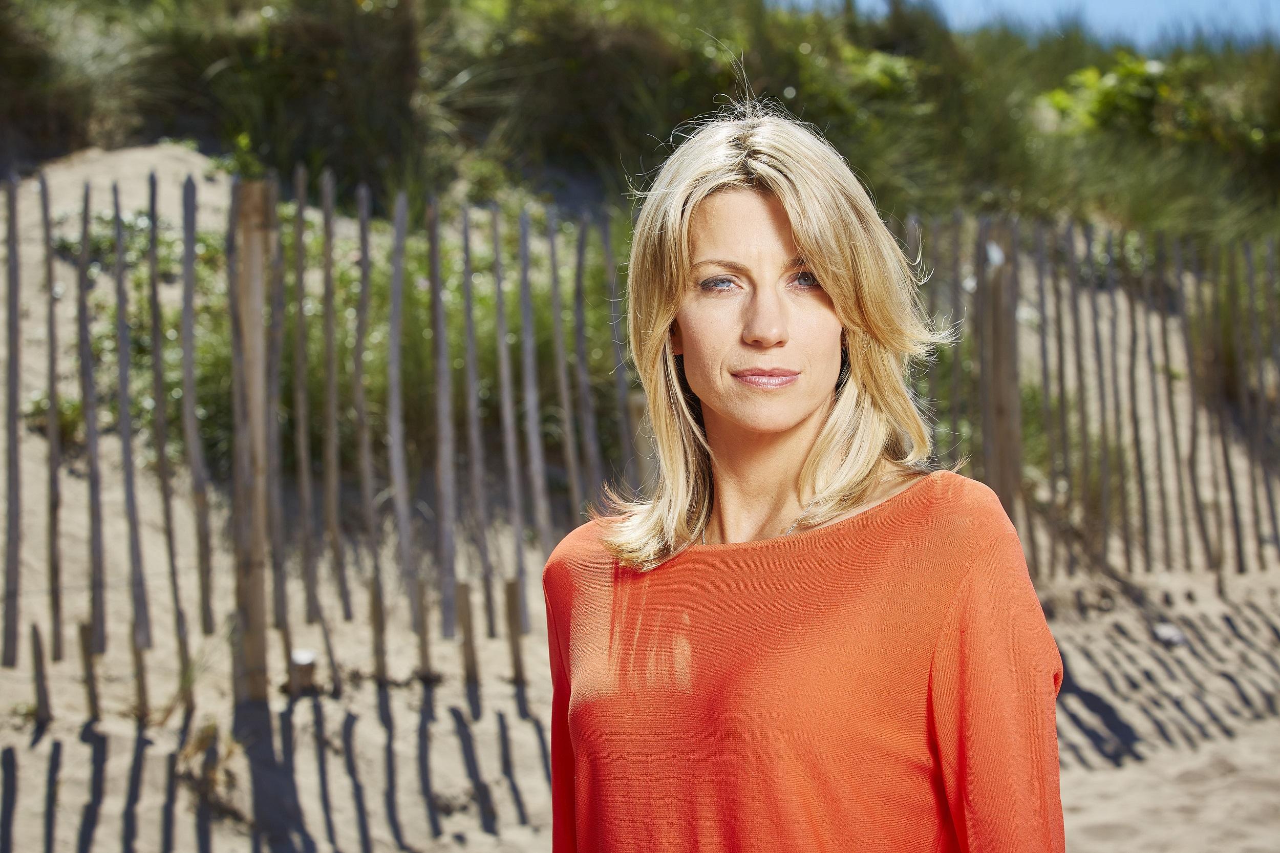 Stephanie Adams,Gabbi Garcia (b. 1998) Adult clips Susan Browning,Helen Hunt born June 15, 1963 (age 55)
