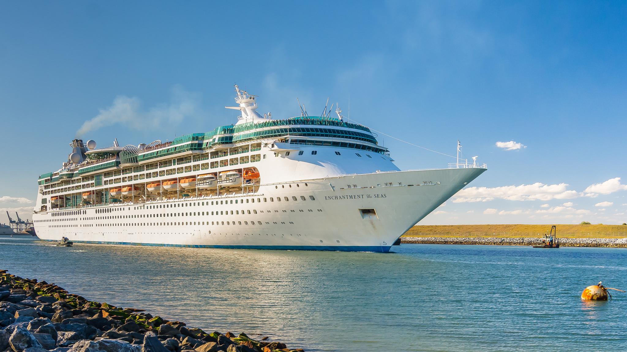 Cruise Ship Hd Wallpaper Background Image 2048x1152 Id959652